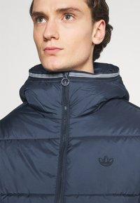 adidas Originals - HOODED PUFF - Vinterjakker - dark blue - 5