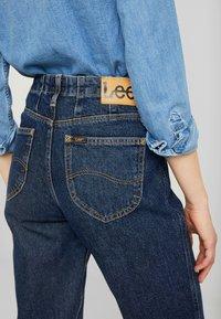 Lee - TAILORED MOM - Straight leg jeans - dark worn - 5