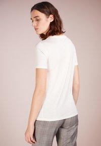 Bruuns Bazaar - KATKA - T-shirt - bas - snow white - 2