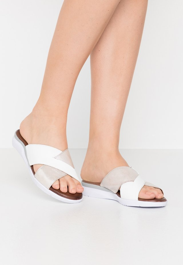 SLIDES - Pantofle - white/silver