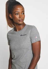 Champion - ESSENTIAL CREWNECK LEGACY - T-shirts - grey heathered - 3