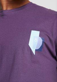 FoR - BOLD GRAPHIC TEE - Printtipaita - purple - 4