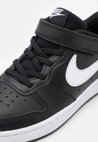 Nike Sportswear - COURT BOROUGH  - Baskets basses - black/white - 5