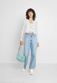 BDG Urban Outfitters - DITSY FLORAL TWIN SET - Cardigan - white - 1