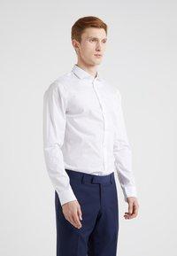 Tiger of Sweden - FILLIAM SLIM FIT - Formal shirt - white - 0