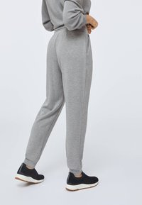 OYSHO - Pantalon de survêtement - light grey - 3