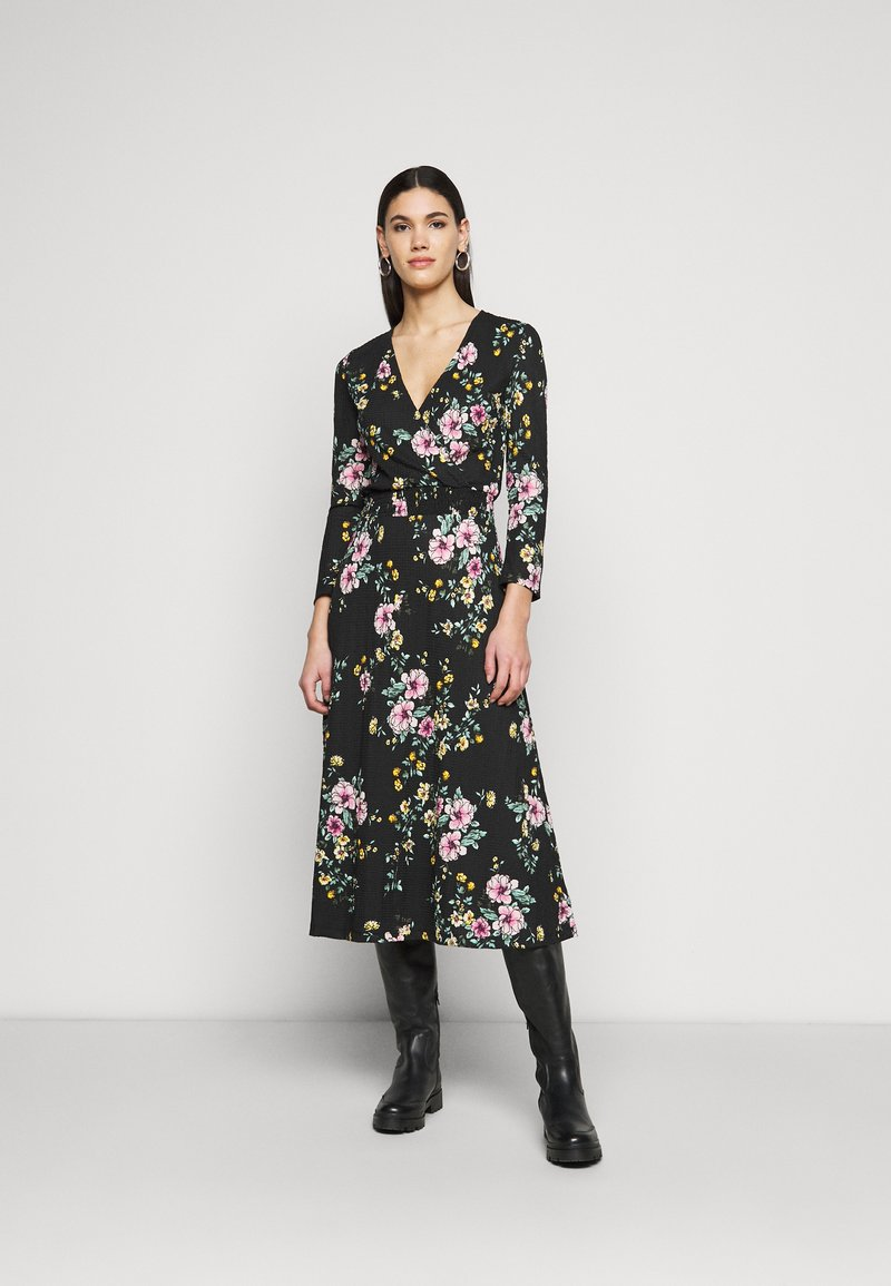 ONLY Tall - ONLZILLE FIXED SMOCK DRESS - Kjole - black
