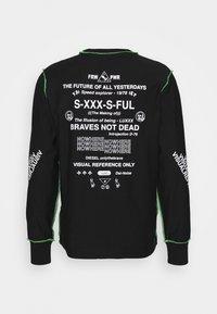 Diesel - T-JUSEAM-LS T-SHIRT UNISEX - Print T-shirt - black - 1
