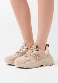 ONLY SHOES - ONLSILVA CHUNKY - Trainers - rose - 0
