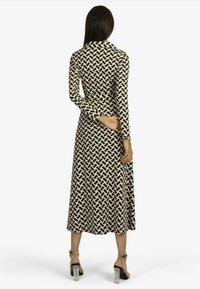 Apart - Jersey dress - schwarz/beige - 1