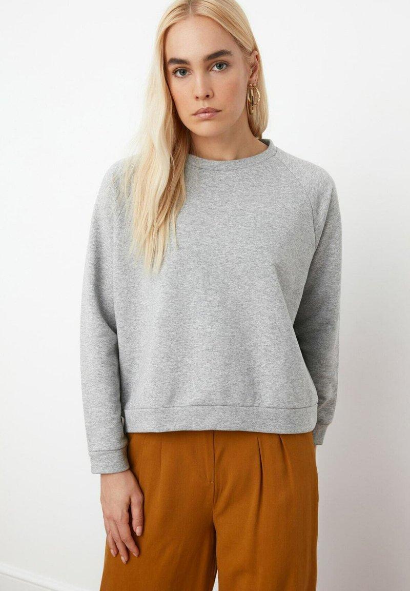 Trendyol - Trui - grey