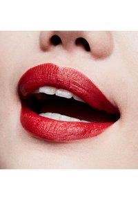 MAC - MATTE LIPSTICK - Rouge à lèvres - chili - 3