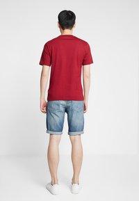Calvin Klein Jeans - SLIM - Džínové kraťasy - denim - 2