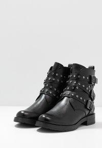 Marco Tozzi - Cowboy/biker ankle boot - black antic - 4