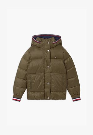 ESSENTIAL PUFFER - Giacca invernale - green