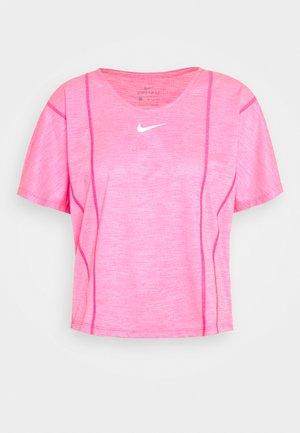 CITY SLEEK - Camiseta básica - hyper pink/white