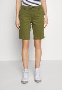 Superdry - CITY CHINO SHORT - Shorts - capulet olive - 0
