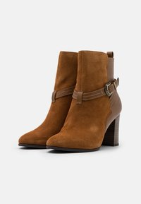 Tamaris - BOOTS - Classic ankle boots - muscat - 2