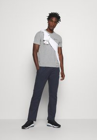 Champion - LEGACY STRAIGHT HEM PANTS - Spodnie treningowe - dark blue - 1