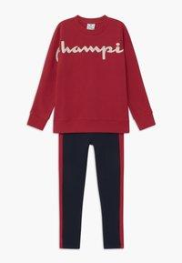 Champion - LEGACY CREWNECK SUIT SET - Dres - dark red - 0