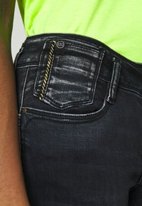 Le Temps Des Cerises - PULPC - Slim fit jeans - black/blue - 6