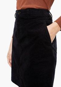 s.Oliver - Pencil skirt - black - 3