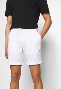 Baldessarini - JOERG - Shorts - white - 3