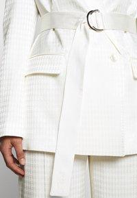 KARL LAGERFELD - CAMEO BELT - Short coat - off white - 6