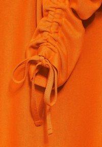 Street One - MIT RAFFUNGEN - Blouse - orange - 4