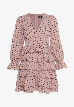 WILD HORSES RUFFLE MINI DRESS - Denní šaty - pink