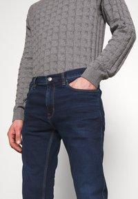 HUGO - Jeans slim fit - navy - 3