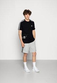 adidas Originals - TECH TEE - Printtipaita - black - 1