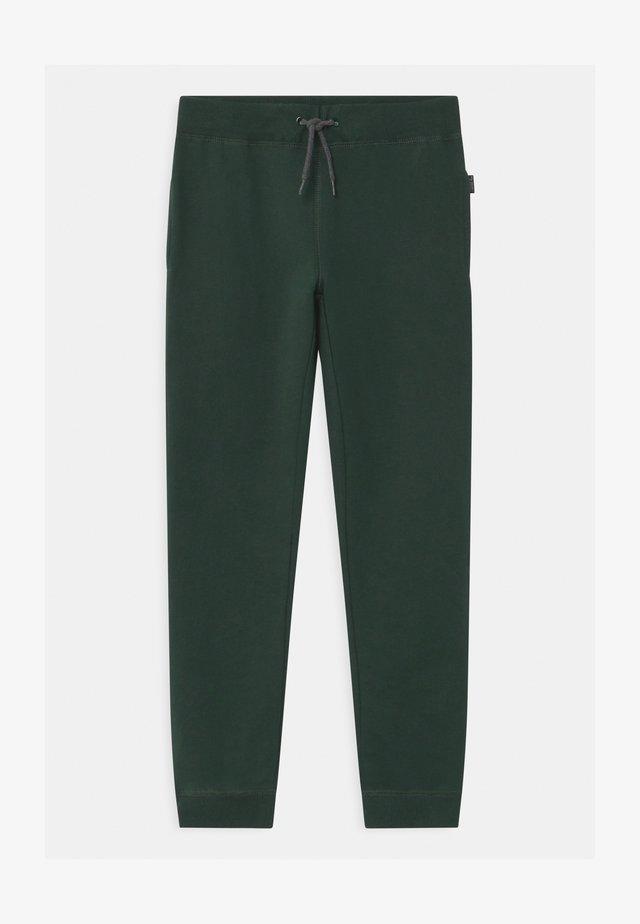 NKMSWEAT - Pantalones - darkest spruce