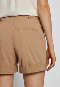 BOSS - TAGGIE - Shorts - beige - 3