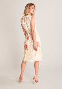 comma - Day dress - coral leaf - 2