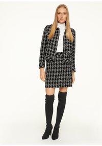 comma - Pencil skirt - black - 3