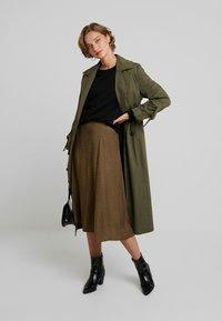 Gestuz - IRINA SKIRT - Maxi sukně - dark olive - 1