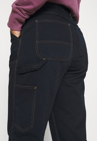 Carhartt WIP - MIGGY DOUBLE KNEE PANT - Džíny Relaxed Fit - astro - 6