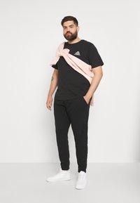 Blend - SWEATPANTS - Pantaloni sportivi - black - 1