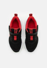Nike Performance - REVOLUTION 5 UNISEX - Neutrální běžecké boty - black/university red/white - 3