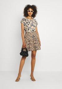 Vero Moda - VMHAILEY SKIRT - Mini skirt - hailey - 1