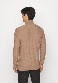 Pier One - Stickad tröja - mottled beige - 2