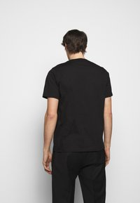 PS Paul Smith - MENS REGULAR  FIT SKULL - Print T-shirt - black - 2