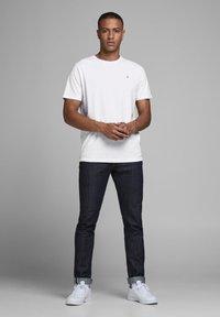 Jack & Jones - 5 PACK - T-shirt basique - white - 0