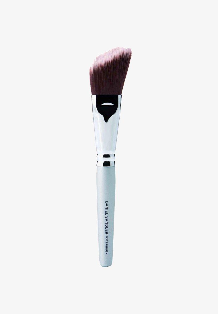 Daniel Sandler - WATERBRUSH - Makeup brush - -