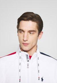 Polo Ralph Lauren - HEAVY SOFT TOUCH - Sweatshirt - white - 4