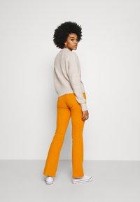Pepe Jeans - NEW PIMLICO - Trousers - orange - 2