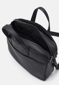 Calvin Klein - LAPTOP BAG - Taška na laptop - black - 2