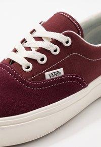 Vans - COMFYCUSH ERA - Baskets basses - port royale/andorra - 6