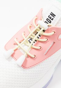 Steve Madden - MATCH - Sneakers - white/pink - 2